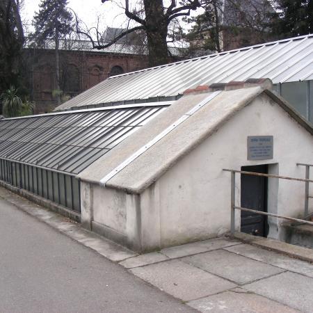 L'esterno della serra tropicale dell'Orto Botanico di Torino (foto V. Fossa)